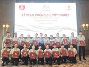 Lễ trao chứng chỉ tốt nghiệp khóa đào tạo Sơ cấp nghề Nghiệp vụ Buồng bậc 1 tại Hoiana