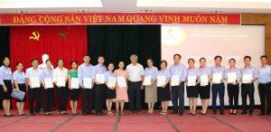Lễ trao quyết định tuyển dụng và bổ nhiệm vào ngạch; chức danh nghề nghiệp cho các viên chức trúng tuyển trong kỳ thi tuyển viên chức