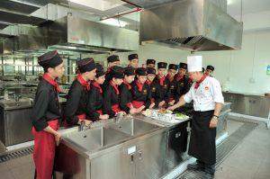 Trường cao đẳng du lịch Huế chú trọng đào tạo kỹ năng nghề